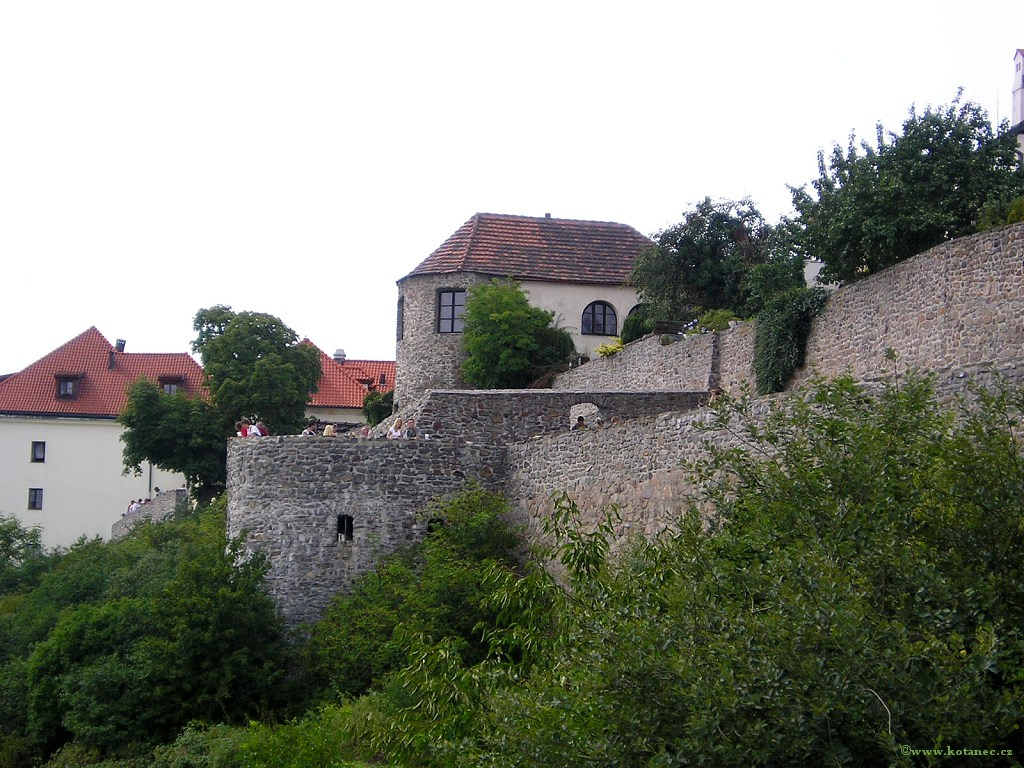004 Kadaň - hradby