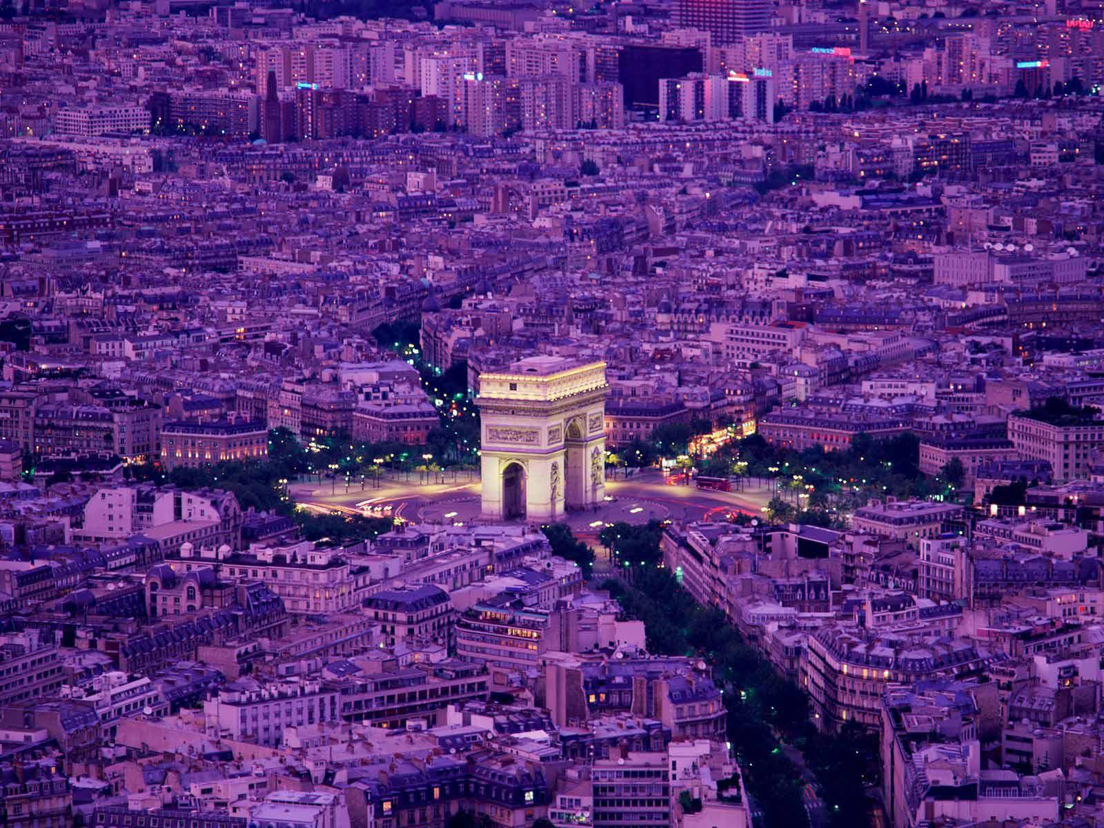 022 - Paris - France - Arc De Triomphe