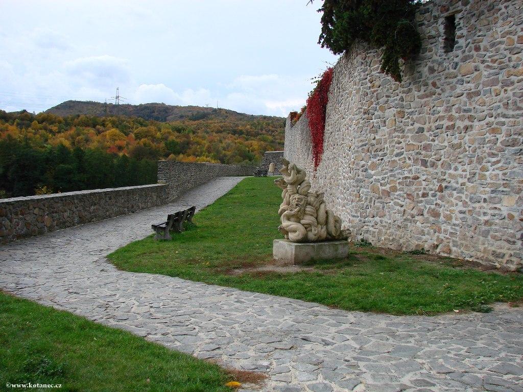 022 Kadaň - hradby