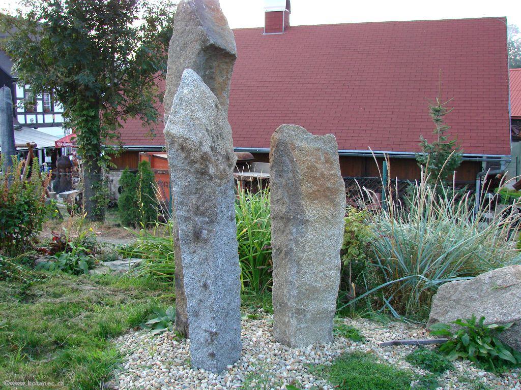 02 Doubice - Stará hospoda - dřevěné sochy