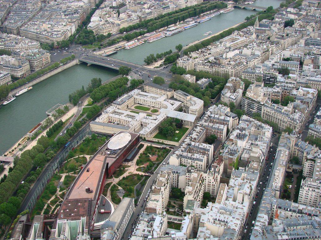 031 Paris - pohled z Eiffel tower