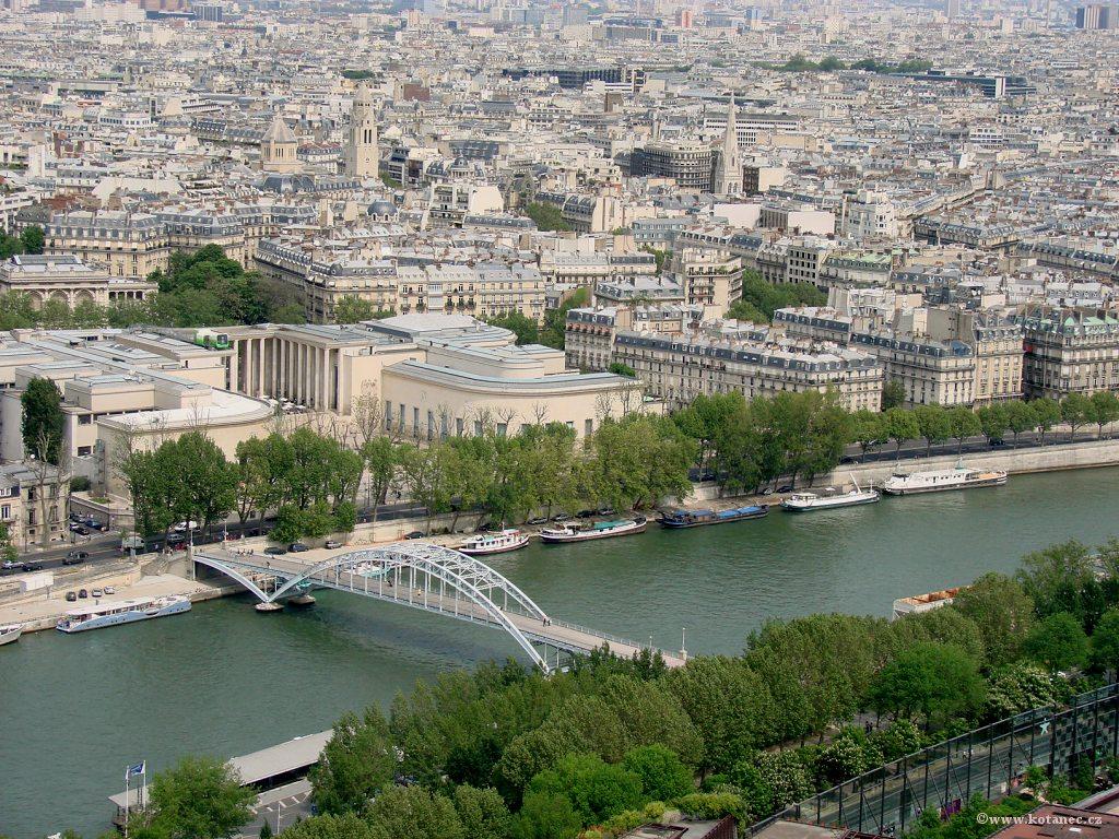 032 Paris - pohled z Eiffel tower