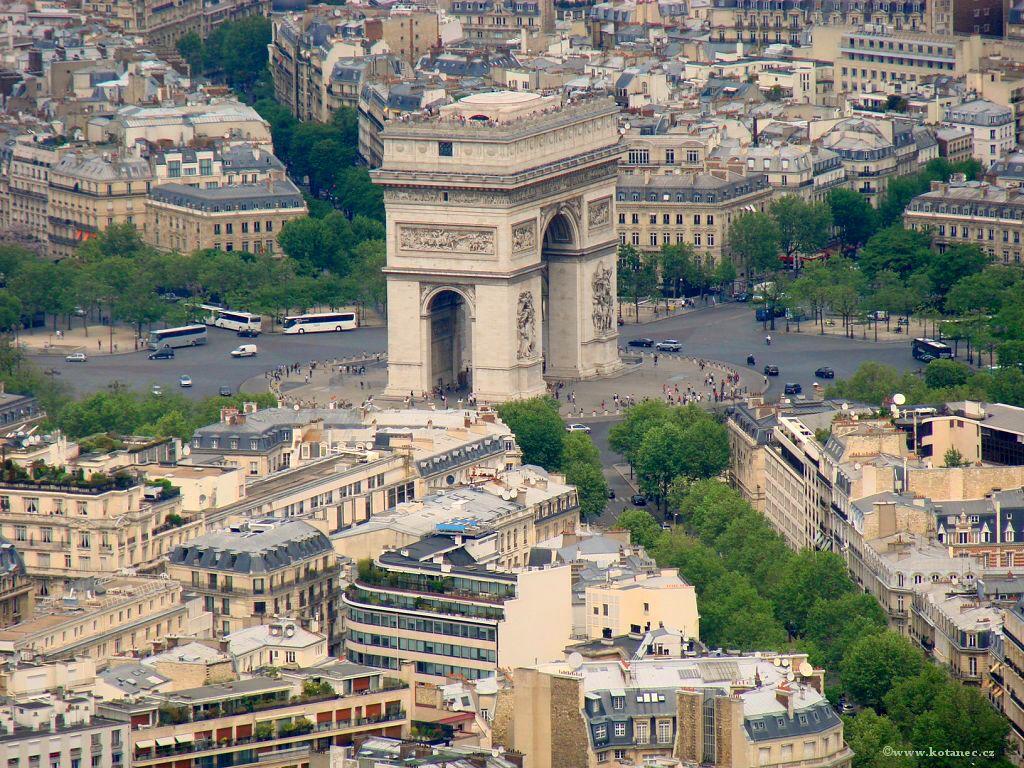 035 Paris - pohled z Eiffel tower - Paříž