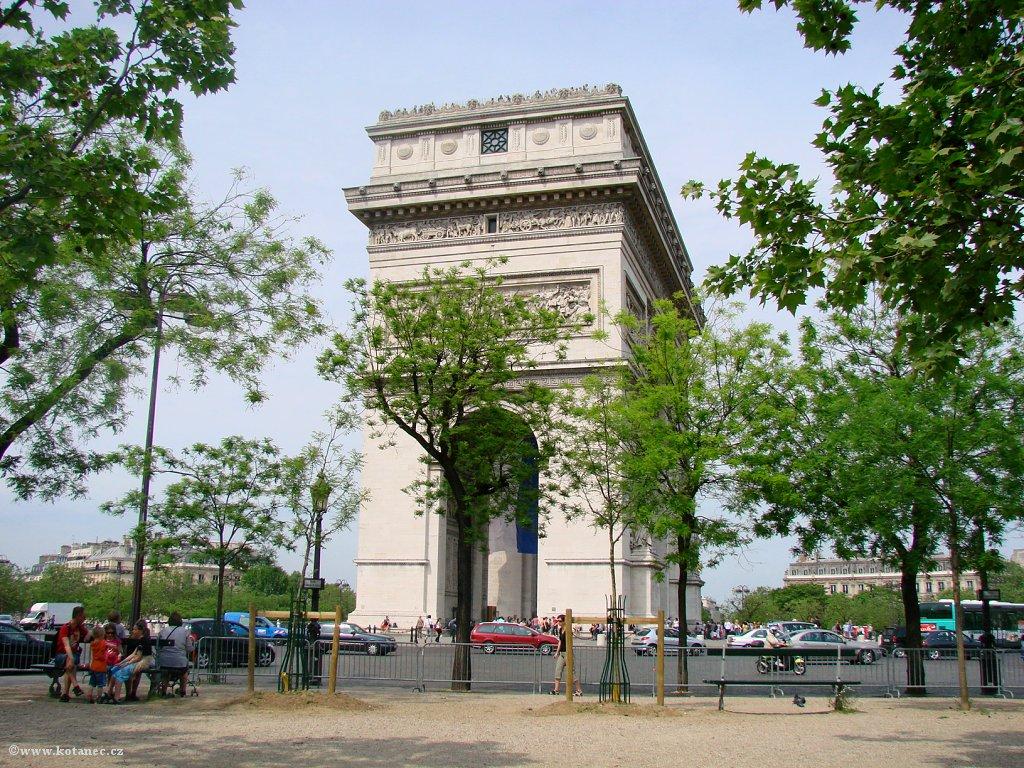 037 Paris - Arc de Triomphe - Paříž