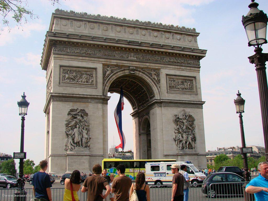 040 Paris - Arc de Triomphe - Paříž