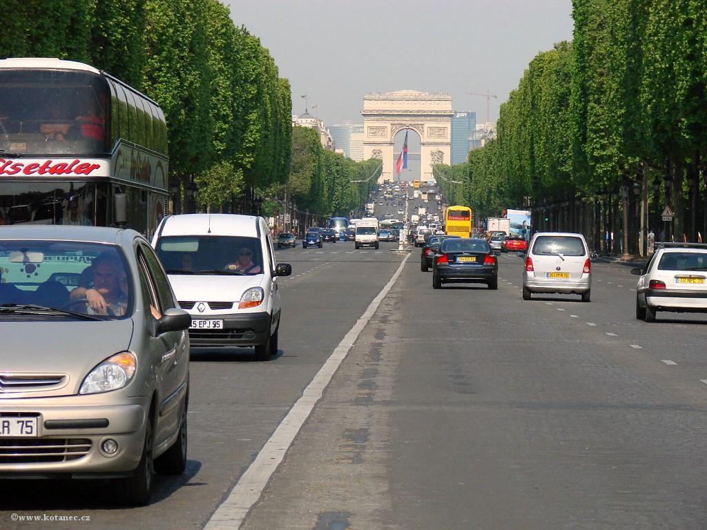 045 Paris - Champs-Élysées - Paříž