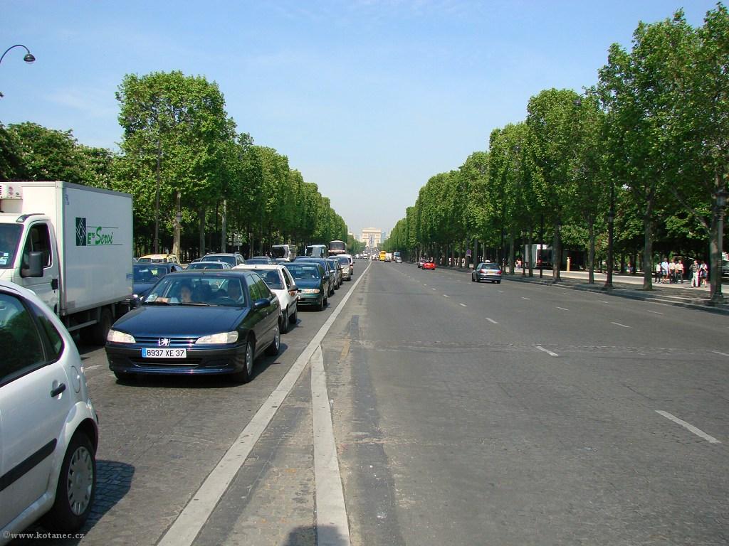 046 Paris - Champs-Élysées - Paříž