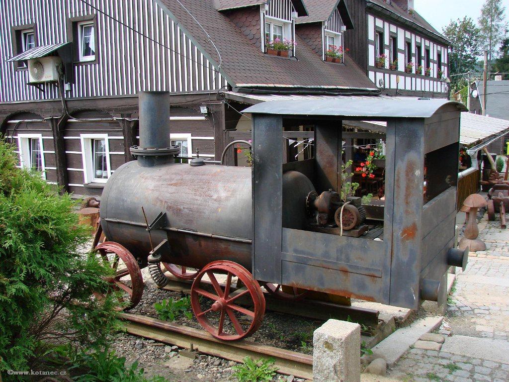 04 Doubice - Stará hospoda - dřevěné sochy
