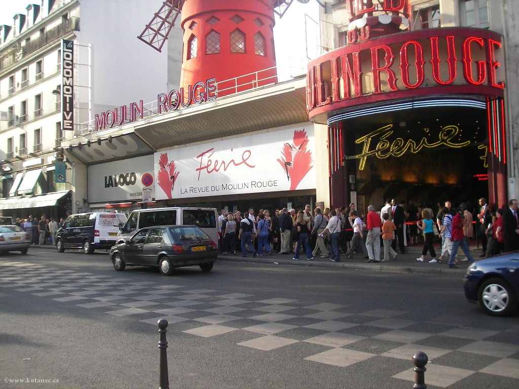 050 Paris - Moulin Rouge - Paříž