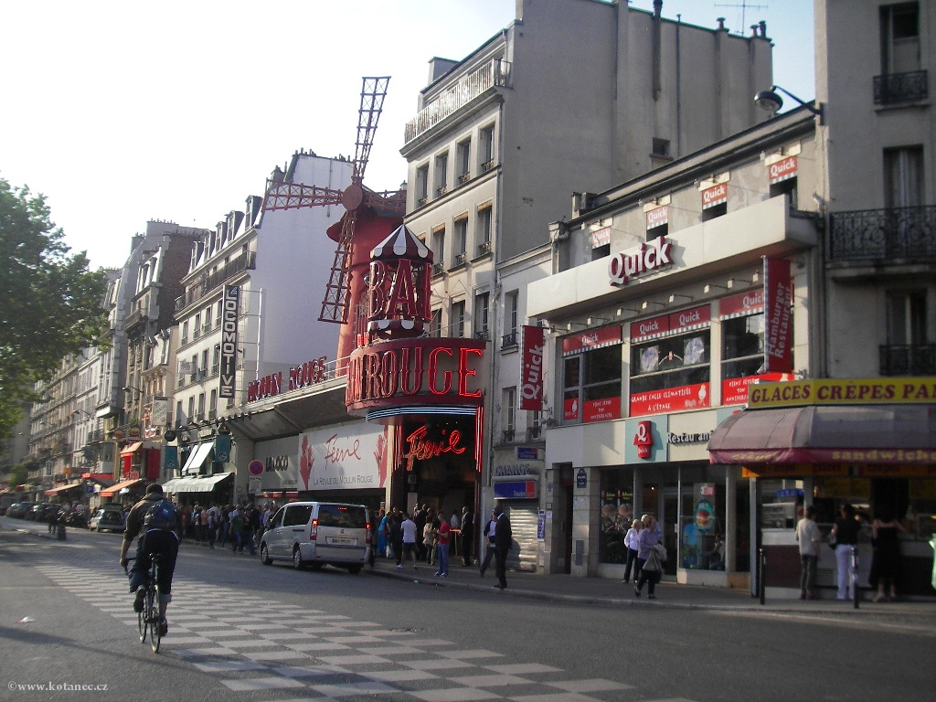 051 Paris - Moulin Rouge - Paříž
