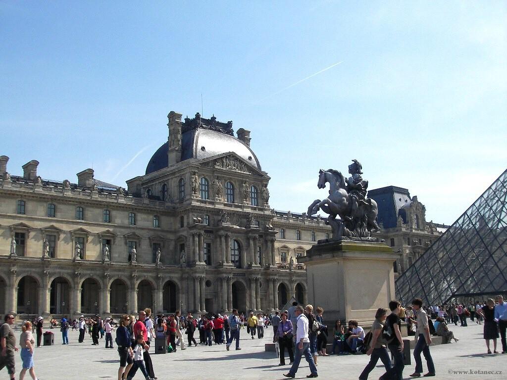 066 - Paris - Louvre - Paříž