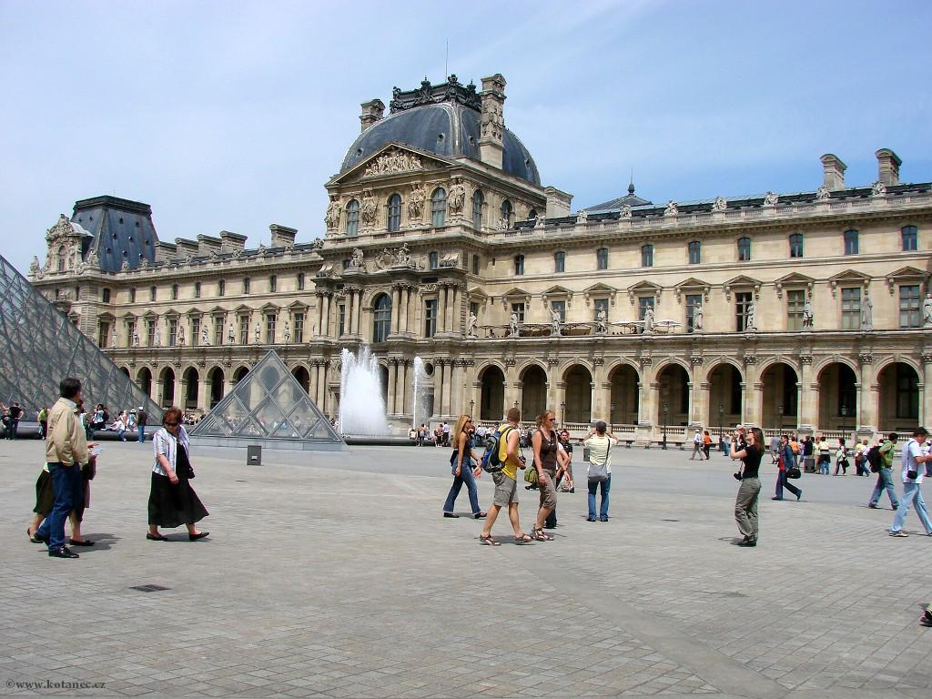 068 - Paris - Louvre - Paříž