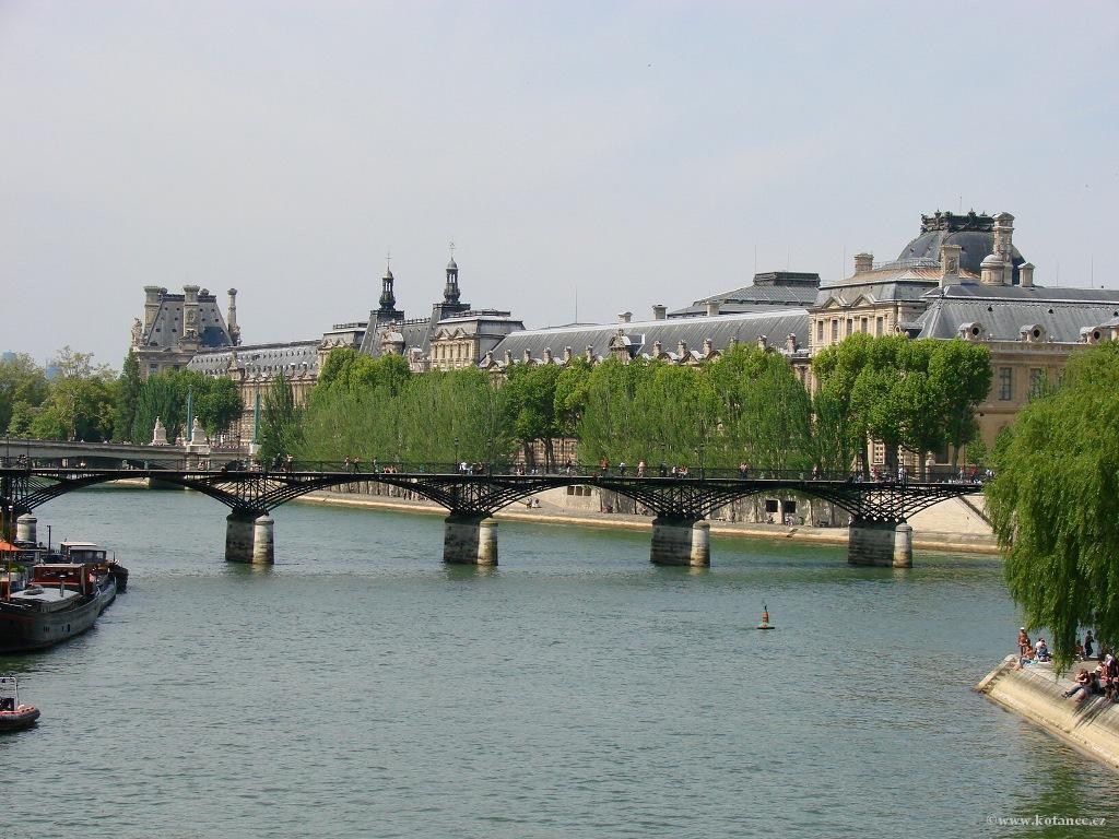 075 - Paris - Louvre - Seine - Paříž
