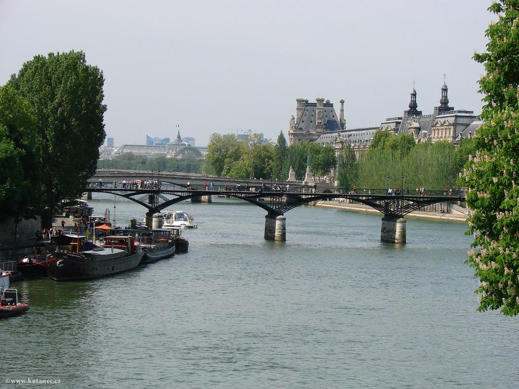 077 - Paris - Louvre - Seine - Paříž