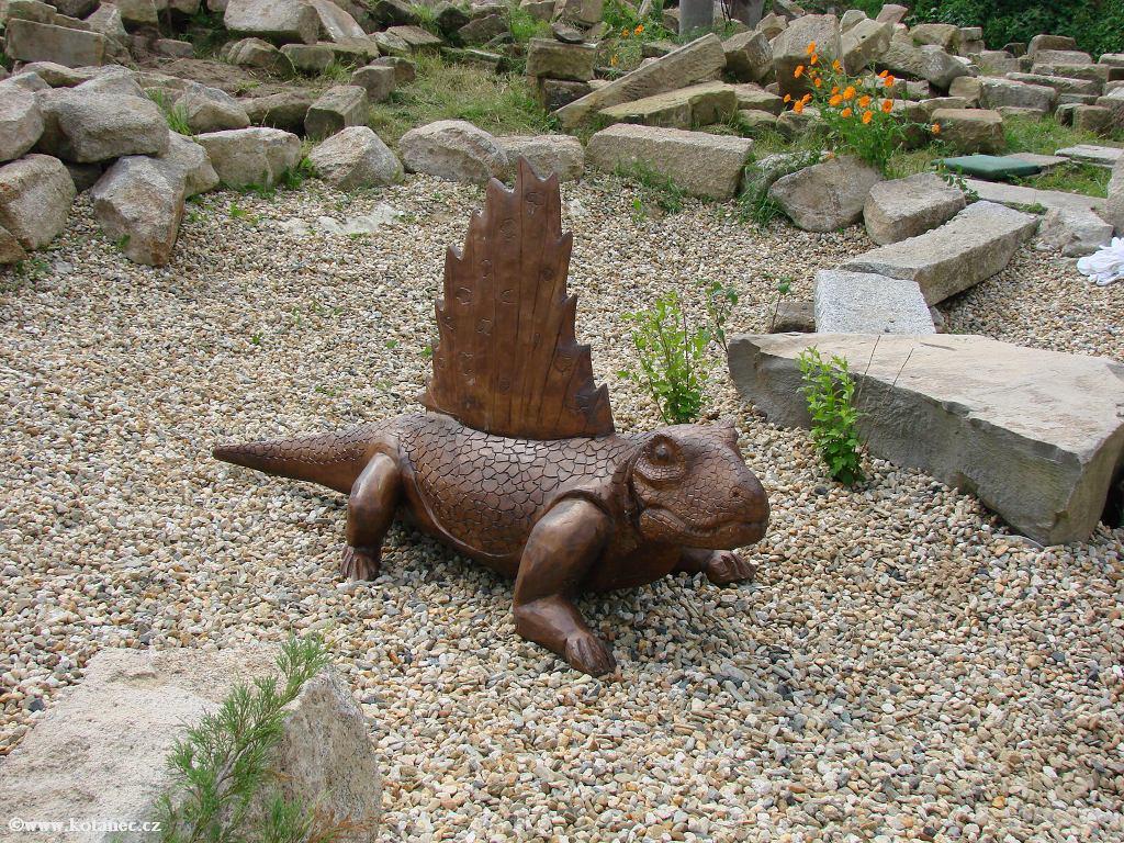 17 Doubice - Stará hospoda - dřevěné sochy