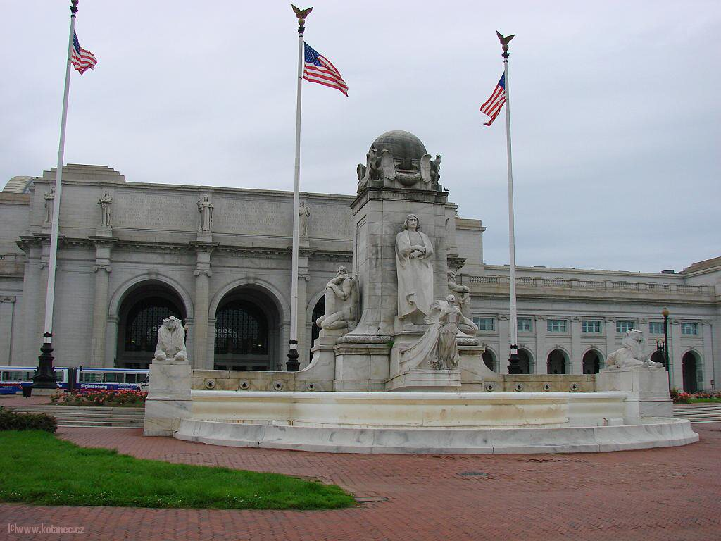 17 Washington - Columbus Memorial Fountain