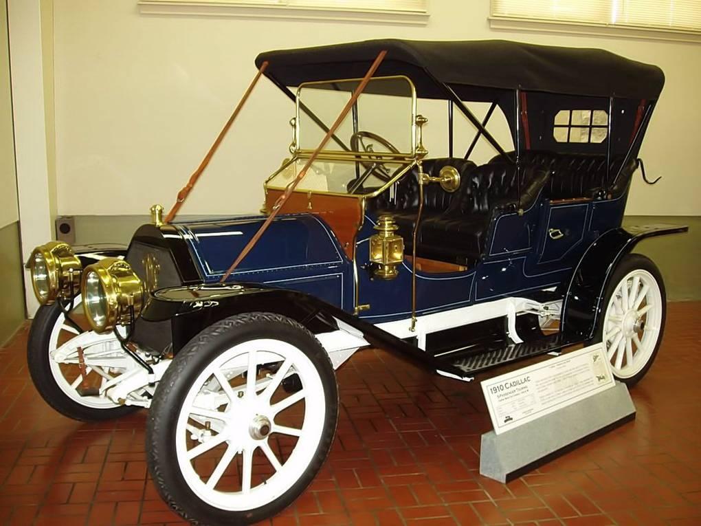 18 - 1910 Cadillac