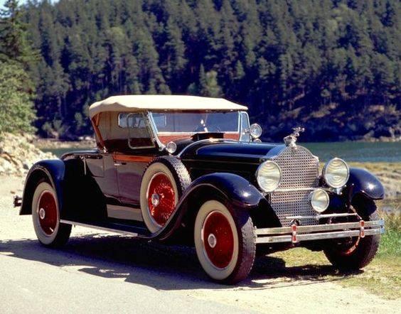 24 -1929 Packard Custom 8 Runabout