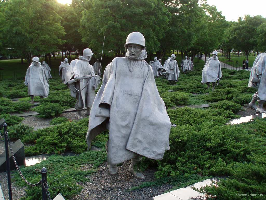 26 Washington - Korean War Veterans Memorial