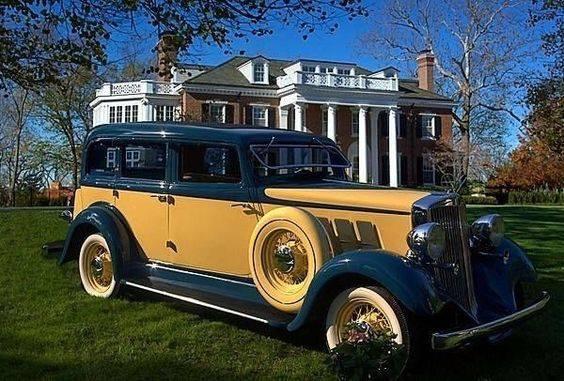 28 - 1933 Hupmobile Sedan