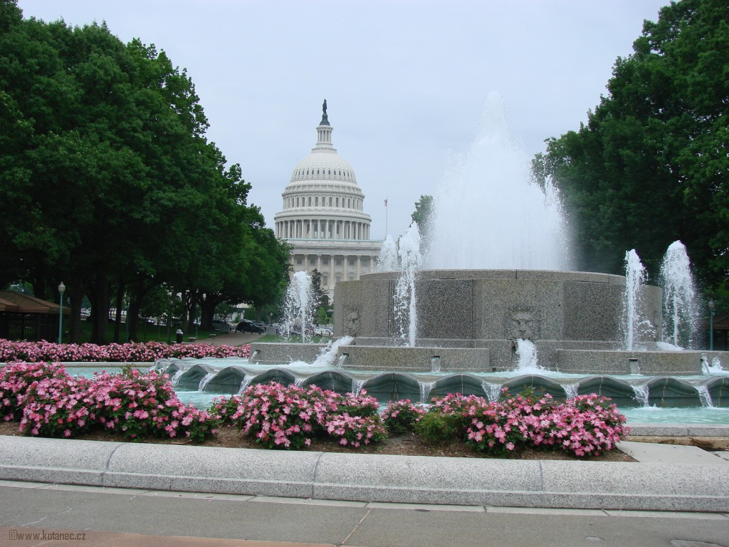 35 Washington - US Capitol and Grant Memorial