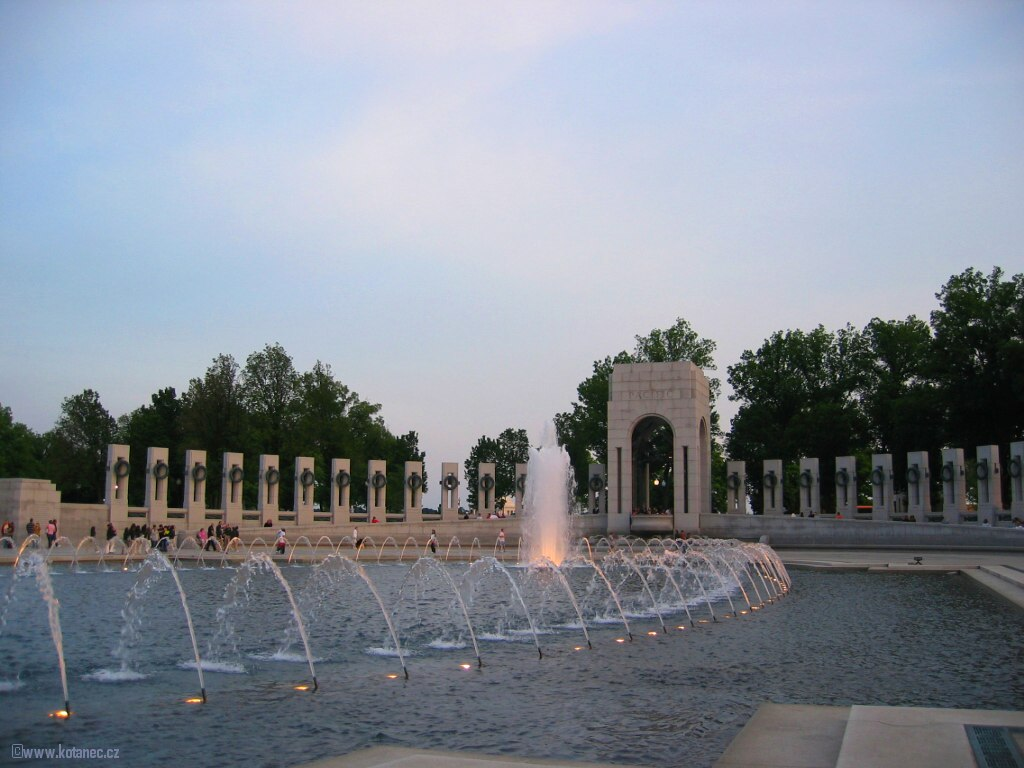38 Washington - World War II. Memorial